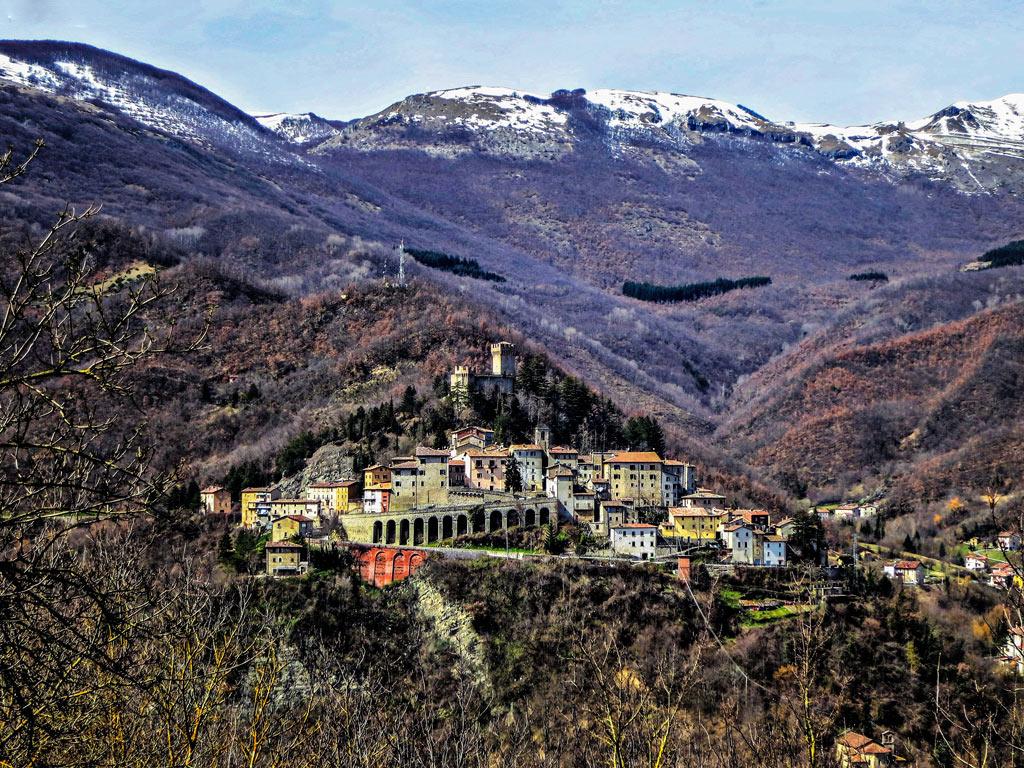 Ein Dorf in den Marken - etwa in der Höhe von Rom. Hier wurde der neue Pecorino entdeckt.